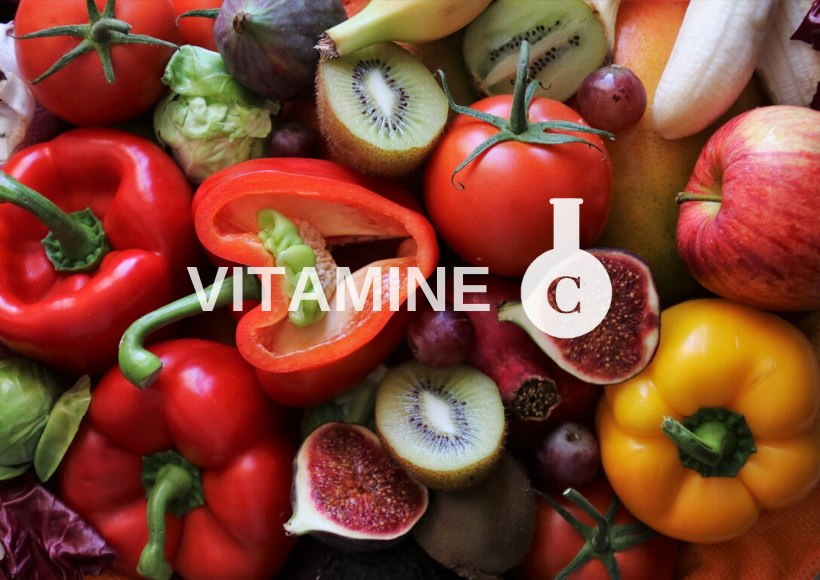 Fruits et légumes qui contiennent de la vitamine C (poivrons, kiwi, figues, raisins, etc.)